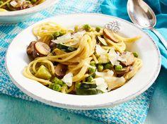 Unser beliebtes Rezept für Zucchini-Champignon-Spaghetti und mehr als 55.000 weitere kostenlose Rezepte auf LECKER.de.