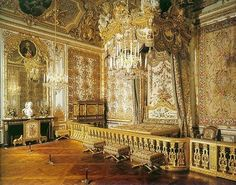elaborate rules of etiquette at the French court