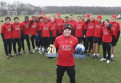 Manchester United's Wayne Rooney poses with a Barclays Golden Boot Award for being the first player to reach 20 league goals in and the Barclays Player of the Month Award for January Manchester United Images, Manchester United Players, Barcelona Soccer, Fc Barcelona, Man Utd Fc, Coleen Rooney, Alex Morgan Soccer, Cristiano Ronaldo Lionel Messi, Soccer Girl Problems