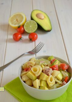 insalata di pasta avocado e lime