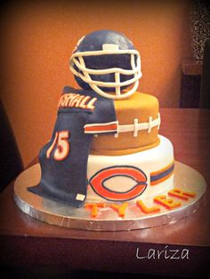 Football / NFL – Chicago Bears This would be awesome in Heavener Wolves Football / NFL – Chicago Bears Das wäre großartig in Heavener Wolves Football Birthday, Bear Birthday, 8th Birthday, Birthday Cake, Chicago Bears Cake, Broncos, Sport Cakes, Bear Party, Cakes For Men