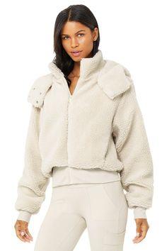 Wear Test, Bra Tops, Hooded Jacket, Active Wear, Jackets For Women, Street Wear, Yoga, How To Wear, Perfect Fit