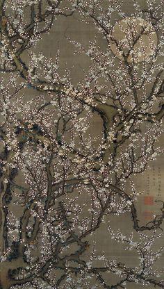 """Itō Jakuchū (伊藤若冲; 1716–1800)  """"Kwitnąca śliwa i księżyc""""(1755), tusz i farby wodne na jedwabiu."""