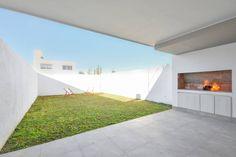 Modern kitchen by Estudio A+3