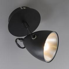 Design-Liebhaber aufgepasst! Die neustes Serie Kirk ist eingetroffen… und ist einmalig schön! In knackigem Schwarz ist sie bereit Ihr Zuhause oder Ihr Büro in ein schönes #Licht zu hüllen. #lampenundleuchten.at #Lampe