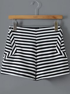 To find out about the Black White Striped Straight Shorts at SHEIN, part of our latest Pants ready to shop online today! Diy Shorts, Striped Shorts, Patterned Shorts, Casual Shorts, Fashion Dress Up Games, Fashion Pants, Fashion Outfits, 2000s Fashion, Kind Und Kegel