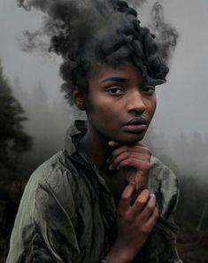 Moć dima; David Uzochukwu (2016.)