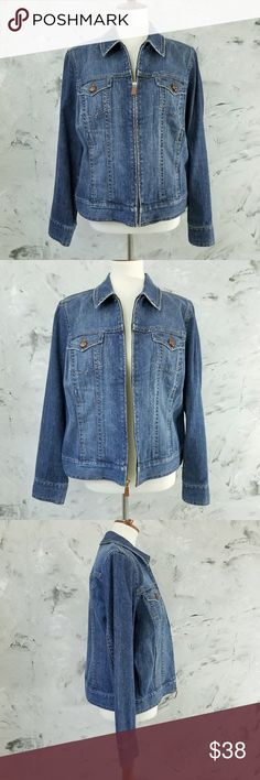 "Liz Claiborne Denim Jean Jacket Size 4 Bomber Jacket style Liz Claiborne Jean Jacket Women's Size 4 In great condition. gently worn Functioning pockets Plastic buttons Zipper in tact   Bust 40"" Waist 40"" Length 24"" Shoulder 16"" Sleeve 24""  DISCLAIMER: This is a second hand vintage item and so being may come with some stains, wear or undetected defects. I have tried to describe and photograph each item so as to best represent the product. Additional pictures available upon request. Liz…"