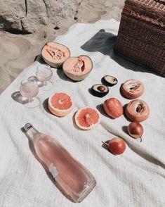 E food beach picnic, summer aesthetic, food photography Summer Aesthetic, Aesthetic Food, Aloe Vera Creme, I Need Vitamin Sea, Beach Picnic, Summer Time, Pink Summer, Casual Summer, Summer Beach