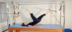 Venha se sentir bem!     O Método Pilates visa o trabalho do corpo como um todo, buscando o equilíbrio entre corpo e mente através de exercícios de alongamento, fortalecimento muscular, equilíbrio, respiração e concentração.    Trabalhando o corpo para a busca de uma qualidade de vida melhor, tanto para objetivos terapêuticos (diminuição de dores em geral) como para tonificação muscular e condicionamento físico.     Benefícios   Corrige a postura, Melhora a flexibilidade…