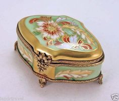 NEW GORGEOUS FRENCH LIMOGES BOX EXOTIC FOOTED CHEST COFFRET ORNATE CLASP