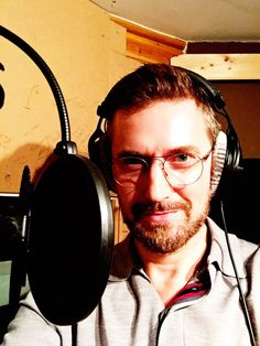 """7-10-2017: @bigfinish Delighted to be in the studio recording H.G. Wells'  """"The War of the  Worlds"""" for Big Finish. Great cast, really fun day."""