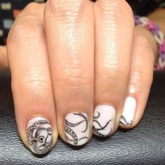 You don't need six arms in order to pull off this detailed octopus design. #refinery29 http://www.refinery29.com/nail-art-designs#slide-16