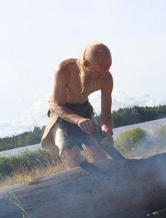 Ruuhi valmistettiin kivikaudella kovertamalla  ja polttamalla puuta. Työ viimeisteltiin kivikirvein ja - taltoin. Oulu (Finland) Ancient History, My Books, Culture, Landscape, Country, Travel, Finland, Historia, Scenery