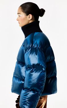 Enter the world of KENZO clothing on KENZO official website. Black Brown Hair, Winter Outfits, Cool Outfits, Cool Coats, Puffy Jacket, Down Coat, Costume, Sport Girl, Outerwear Women