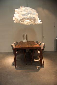 Harvink IMM Splinter tafel en stoelen met #PROPLAMP