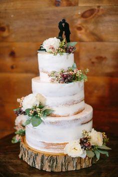 Wedding cake for country wedding - mariage - Wedding Cake Rustic, Rustic Cake, Cool Wedding Cakes, Chic Wedding, Dream Wedding, Fall Wedding, Wedding Ideas, Purple Wedding, Elegant Wedding