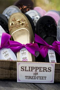 Slipper Labels---DIY Instructions and Template. This is an example of a very considerate couple providing slippers for their wedding guests, but this would be a lovely gift idea also for a friend recovering from a hospital visit etc. Diy Wedding, Wedding Favors, Wedding Reception, Dream Wedding, Wedding Day, Wedding Stuff, Wedding Tables, Wedding Decorations, Wedding Slippers