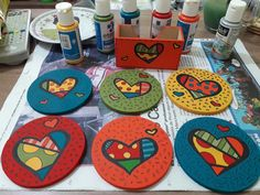 posa vasos Drawing For Kids, Painting For Kids, Art For Kids, Crafts For Kids, Acrylic Paint On Wood, Painting On Wood, Hand Painted Chairs, Painted Stools, Cd Crafts