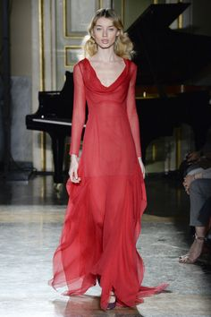 See the complete Blumarine Fall 2017 Ready-to-Wear collection.