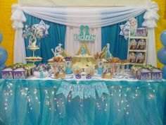 Divina G's Birthday / frozen - Photo Gallery at Catch My Party Frozen Party Table, Frozen Party Food, Frozen Party Favors, Frozen Party Decorations, Frozen Birthday Theme, Disney Frozen Party, Disney Princess Party, Winter Birthday, Frozen Princess