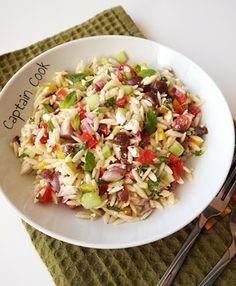 Μεσογειακή Σαλάτα με Κριθαράκι Smoked Salmon Salad, Salad Bar, Yummy Food, Yummy Recipes, Salad Recipes, Potato Salad, Eat, Cooking, Ethnic Recipes