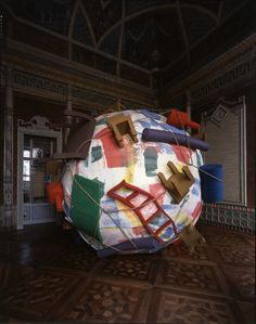 Claes Oldemburg e Coosjie van Bruggen, Houseball (Casa palla) 1985