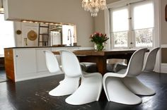 The revolutionary Panton chair, a classic that defines style and beauty
