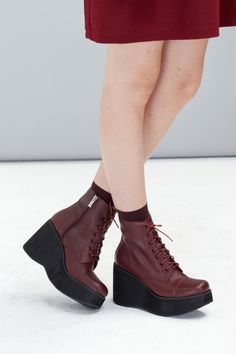 Leather Platform Wedge Boot Burgundy http://www.thewhitepepper.com/collections/shoes/products/leather-platform-wedge-boot-burgundy