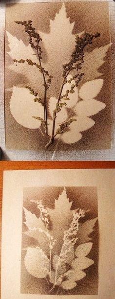 Feuilles d'automne  (peinture à la brosse à dents en couches successives)
