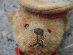 uralter Steiff-Teddy als   Soldat    - orig. Knopf um 1915 - orig. Knopf