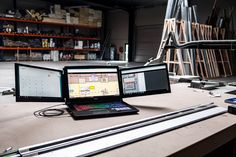Add 2 Display screens to your laptop Cool New Tech, Men Cave, Apple Macbook Pro, Display Screen, Christmas Presents, Screens, Nikon, Gadgets, Geek Stuff