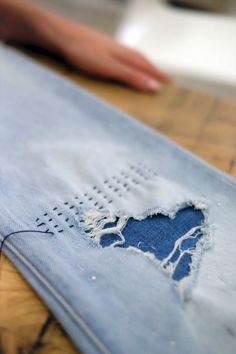 Be a Blue Jean Queen With This Japanese Denim-Repair Technique This Japanese Denim Repair Technique Will Make Your Jeans Look Cooler Than Ever Sashiko, which translates to little stabs For my distroyed too much jeans When starting your own home-based sewi Sashiko Embroidery, Folk Embroidery, Japanese Embroidery, Embroidery Designs, Embroidery Stitches, Embroidery Supplies, Embroidery Scissors, Machine Embroidery, Sewing Hacks