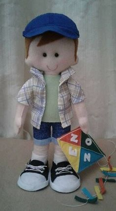 Molds and ideas for making easy rag dolls Craft Ideas Boy Doll Clothes, Doll Clothes Patterns, Doll Crafts, Diy Doll, Moldes Para Baby Shower, Felt Patterns, Sewing Dolls, Soft Dolls, Felt Toys