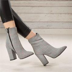 Nigara Plaid High Heel Stiefel - Bot ve Çizme / Boots - Schuhe High Heel Boots, Heeled Boots, High Heels, New Fashion, Fashion Shoes, Fashion Trends, High Heel Stiefel, Pumps Heels, Dress Shoes
