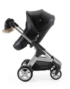 Stokke Crusi and Stokke Stroller Seat with Winter Kit Onyx Black. Keep baby (and your hands) warm the Scandinavian way!