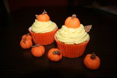 Halloween- with real vanilla cream and marzipan pumpkins