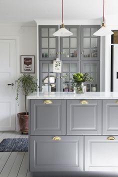 Kitchen cabinet design for apartment apartment therapy kitchen cabinet hacks that boost your kitchen style apartment . kitchen cabinet design for apartment Ikea Kitchen Design, Kitchen Cabinet Design, Interior Design Kitchen, Kitchen Decor, Kitchen Ideas, Grey Kitchens, Cool Kitchens, Bodbyn Kitchen Grey, Grey Ikea Kitchen