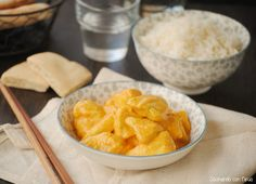 Cocinando con Neus: Pollo al curry con manzana y piña