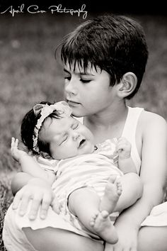 Ahh so cute, gotta do with my nephew and his baby sister/brother