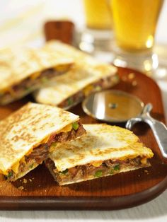 Quick Quesadillas transform leftover pulled pot roast into a next day dinner on the run! Cooking Roast Beef, Beef Pot Roast, Slow Cooker Beef, Slow Cooker Recipes, Roast Beef Quesadilla, Beef Quesadillas, Leftover Roast Beef, Leftover Prime Rib, Tofu Recipes