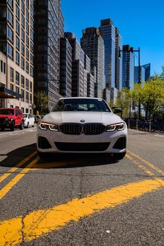 2020 BMW - The three Collection Center-Man - Autoevangelist My Dream Car, Dream Cars, Car Wallpaper For Mobile, Luxury Private Jets, Bmw Wallpapers, Motorcycle Companies, Skyline Gtr, Rear Wheel Drive, Bmw 3 Series