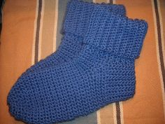 Crocheted Socks For Men By Sue Norrad - Free Crochet Pattern - (ravelry) Easy Crochet Socks, Crochet Socks Pattern, Crochet Shoes, Crochet Slippers, Easy Crochet Patterns, Knit Or Crochet, Crochet Clothes, Free Crochet, Knit Shoes