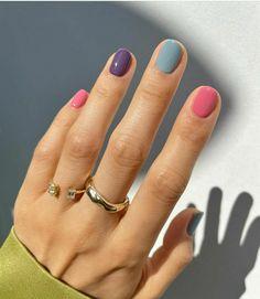 Sinful Colors Nail Polish, Grey Nail Polish, Zoya Nail Polish, Gray Nails, Nail Polish Designs, Nail Colors, Essie Gel, Nail Polishes, Uñas Sally Hansen