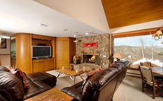 Let loose without worry when you stay at this great home for Octoberfest. Colorado Vacations, Winter House, Spas, Decks, Interior And Exterior, Life Is Good, Homes, Interiors, Furniture