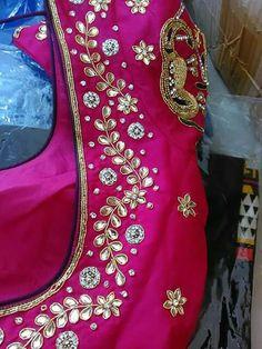 Blouse Designs High Neck, Simple Blouse Designs, Silk Saree Blouse Designs, Stylish Blouse Design, Mirror Work Blouse Design, Maggam Work Designs, Embroidery Neck Designs, Designer Blouse Patterns, Embroidery Fashion