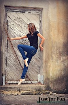 Senior photography. Perfect for a girl who loves ballet.