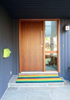 House Exterior Remodel Split Level Ideas For 2020 Design Exterior, House Paint Exterior, Modern Exterior, Interior Exterior, Door Design, House Design, Exterior Siding, Interior Door, Paint Colors For Home