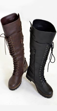 The perfect pair of combat boot to add a touch of edge to your style.