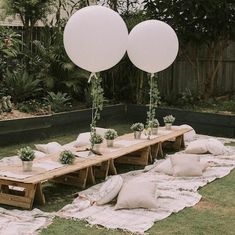 result for big orb balloons Backyard Birthday, Backyard Picnic, Picnic Birthday, Bohemian Party, Boho Party Ideas, Bohemian Birthday Party, Outdoor Dinner Parties, Picnic Parties, Garden Parties